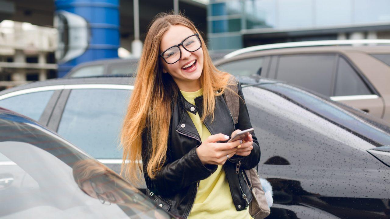 Brak drobnych w portfelu – jaka aplikacja jest najlepsza do zapłacenia za parking?